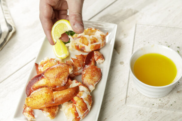 Maine Wild Caught Cooked Lobster Meat( )